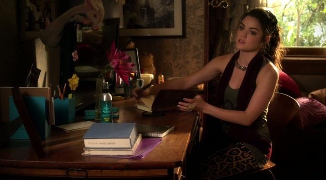 Pretty Little Liars S02E21 (Breaking the Code)