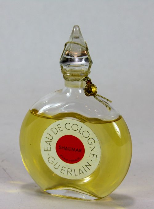 vintage-guerlain-shalimar-eau-de-cologne-splash-1-7-oz-new-rope-sealed-7cc19a1fb031c4c8f019950e9bc5749a (1)