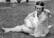 anna-pavlova-and-her-pet-swan-jack-6