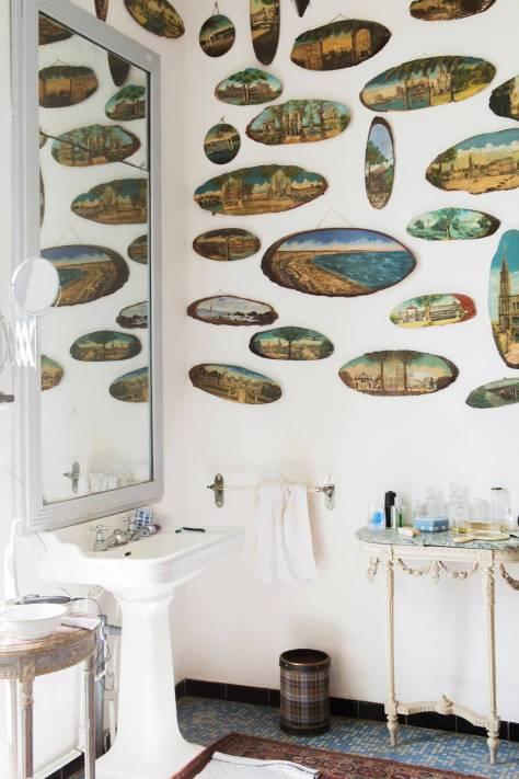 louboutinbathroom_bornunicorn